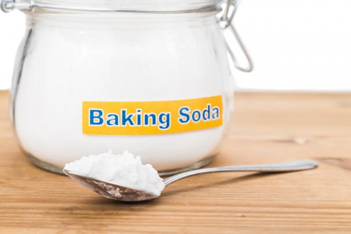 a-jar-and-spoon-of-baking-soda.jpg